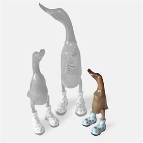 Ente »Ina« - klein braun aufrecht mit weissen Blümchenschuhen