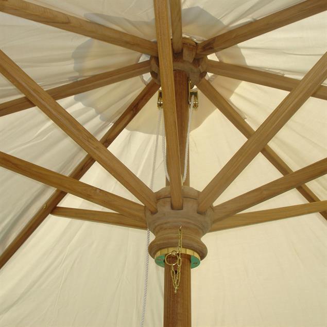Sonnenschirm rund 300 cm Durchmesser Standardfarbe Teak mit Messingbeschlägen